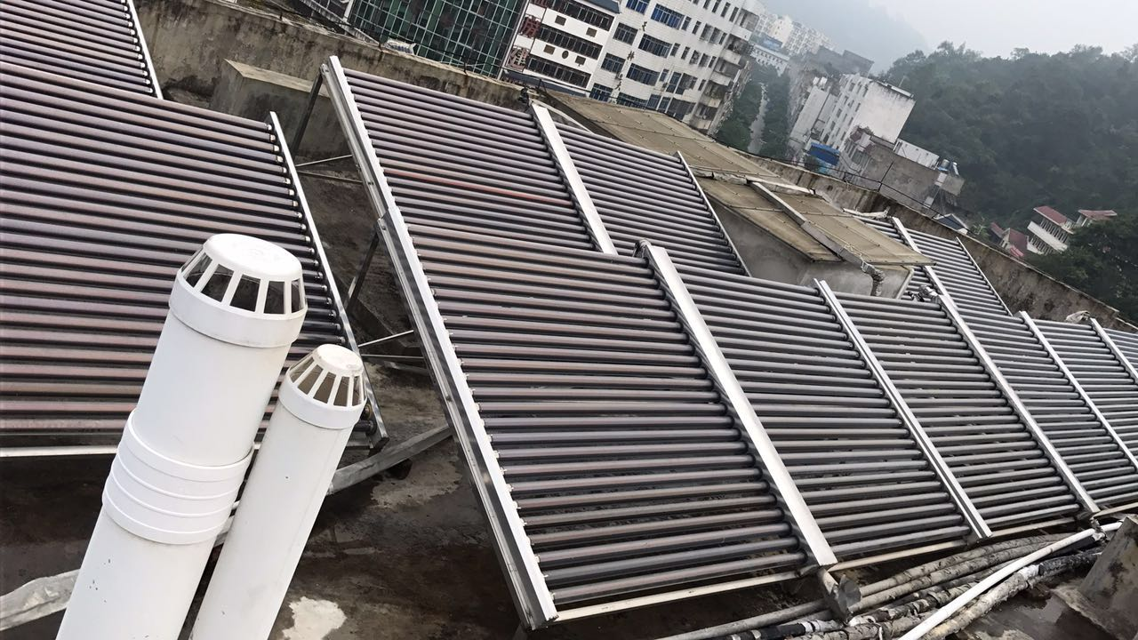 太阳能亚博体育下载地址苹果,太阳能板清洗